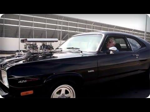 Jay Leno prueba un Plymouth Duster ´75 con 1000HP de potencia!