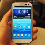 Samsung lanza un Galaxy SIII con pantalla de solo 4 pulgadas